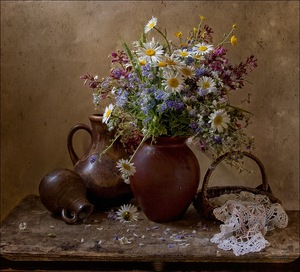 Букет <b>полевых</b> <b>цветов</b> в глиняном сосуде гифка анимация