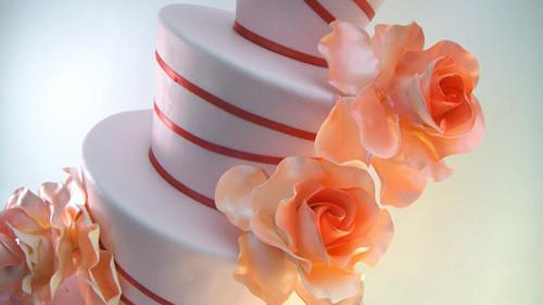 Красивый <b>торт</b> с розами. Международный день <b>торта</b>! гифка анимация