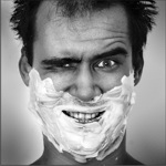 <b>Мужчина</b> в бритвенной пене, со смешным выражением лица гифка анимация