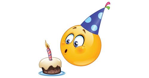 Праздники Открытки с днем рождения смайлика. Задцвание свечи смайлик гиф анимация