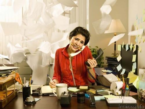 <b>Открытка</b>. День секретаря. <b>Среди</b> бумаг гифка анимация