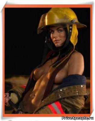 Открытки. С <b>Днем</b> <b>пожарной</b> <b>охраны</b>! Девушка-<b>пожарный</b>! гифка анимация